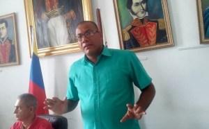 """El programa """"La Voz Nivaldina"""" sale del aire por ordenes del alcalde José Luis Villarroel"""