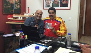 Omar Enrique le saca el cu-erpo al concierto de Nicolás en la frontera