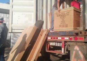 ¡No pelan una! Rojitos se largan con los corotos de la embajada de Venezuela en Costa Rica (FOTOS)