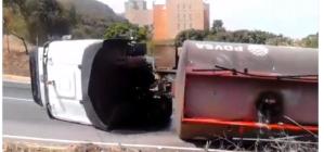 Reportan volcamiento de una gandola de Pdvsa en Catia La Mar
