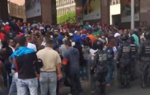 Trabajadores protestan frente a ministerio de Educación Universitaria #18Feb (Videos)