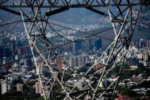 ¿Qué tan cerca está Venezuela de sufrir otro apagón masivo? (Video)