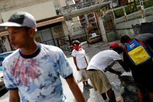 Guaidó: El régimen reconoció su fracaso al permitir el ingreso de la ayuda humanitaria