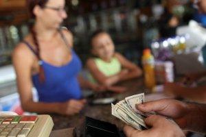La hiperinflación no cesa en Venezuela y se ubica en 1.623.656% interanual (Video)