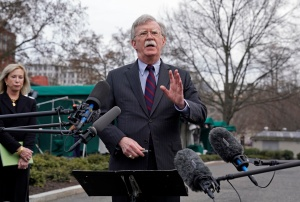 Bolton asegura que la Guardia Costera de EEUU vigila a Venezuela a lo largo del hemisferio
