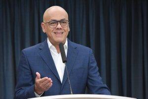 Jorge Rodríguez reaparece para enredar el papagayo sobre presunto hechos de corrupción en Colombia