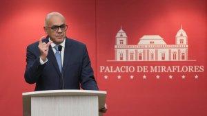 Horario especial laboral se mantendrá este jueves 25 y viernes 26, dice Jorge Rodríguez