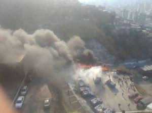 ¿Cómo iniciaron las llamas en las afueras de El Helicoide?