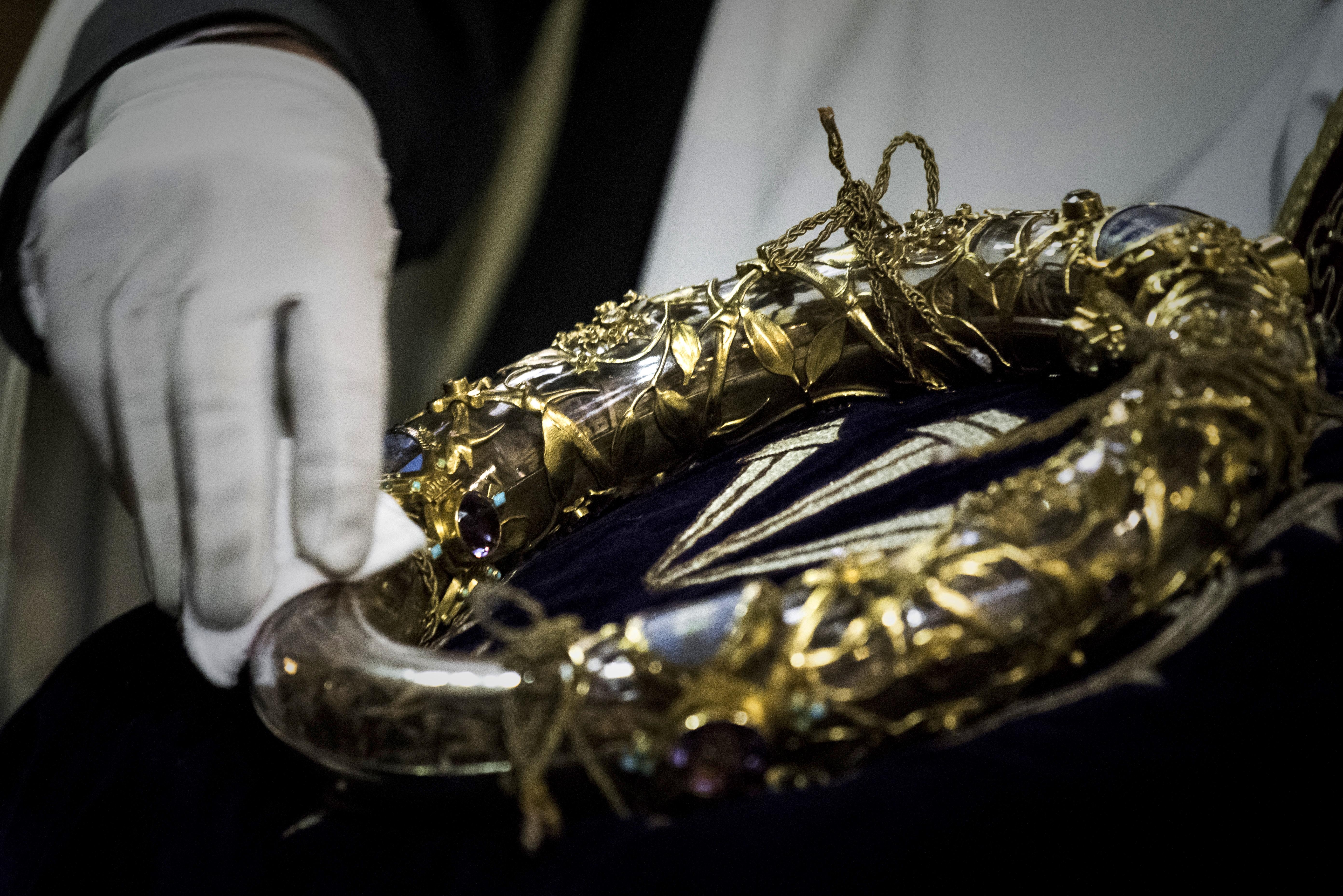 Los tesoros más valiosos de Notre Dame están intactos pese al incendio