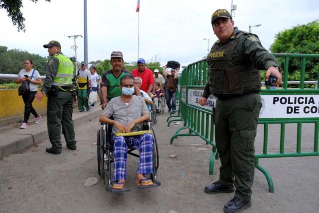 Tag táchira en El Foro Militar de Venezuela  2019-04-03T004459Z_1843531764_RC1C91399360_RTRMADP_3_VENEZUELA-POLITICS-COLOMBIA