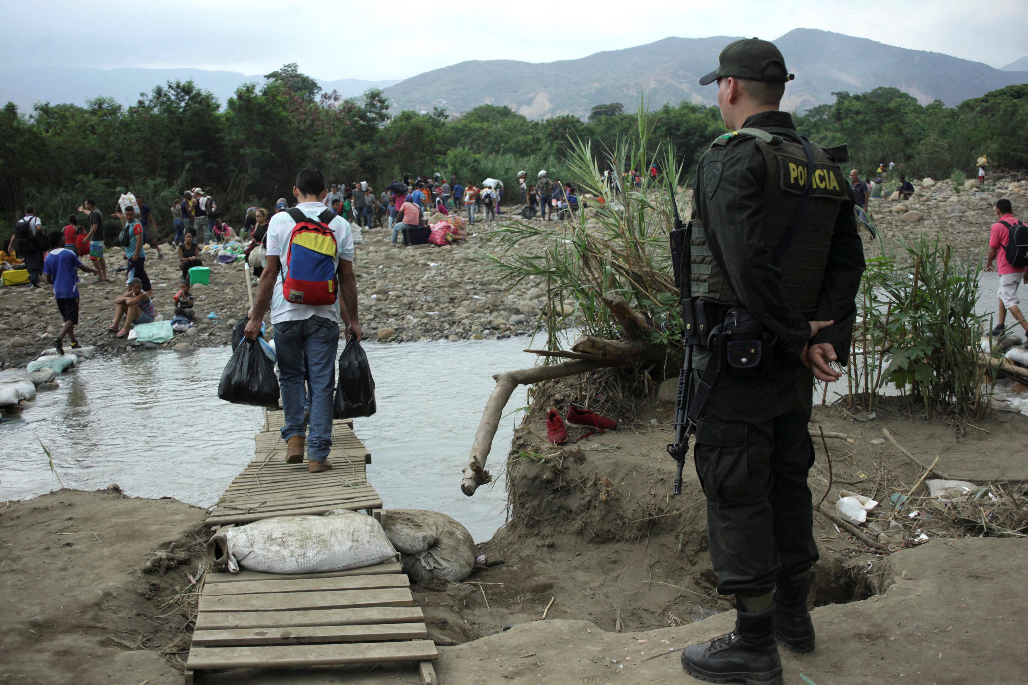Sobrevivir En La Frontera Venezolana Donde No Hay Bolívares Y Nadie Los Quiere