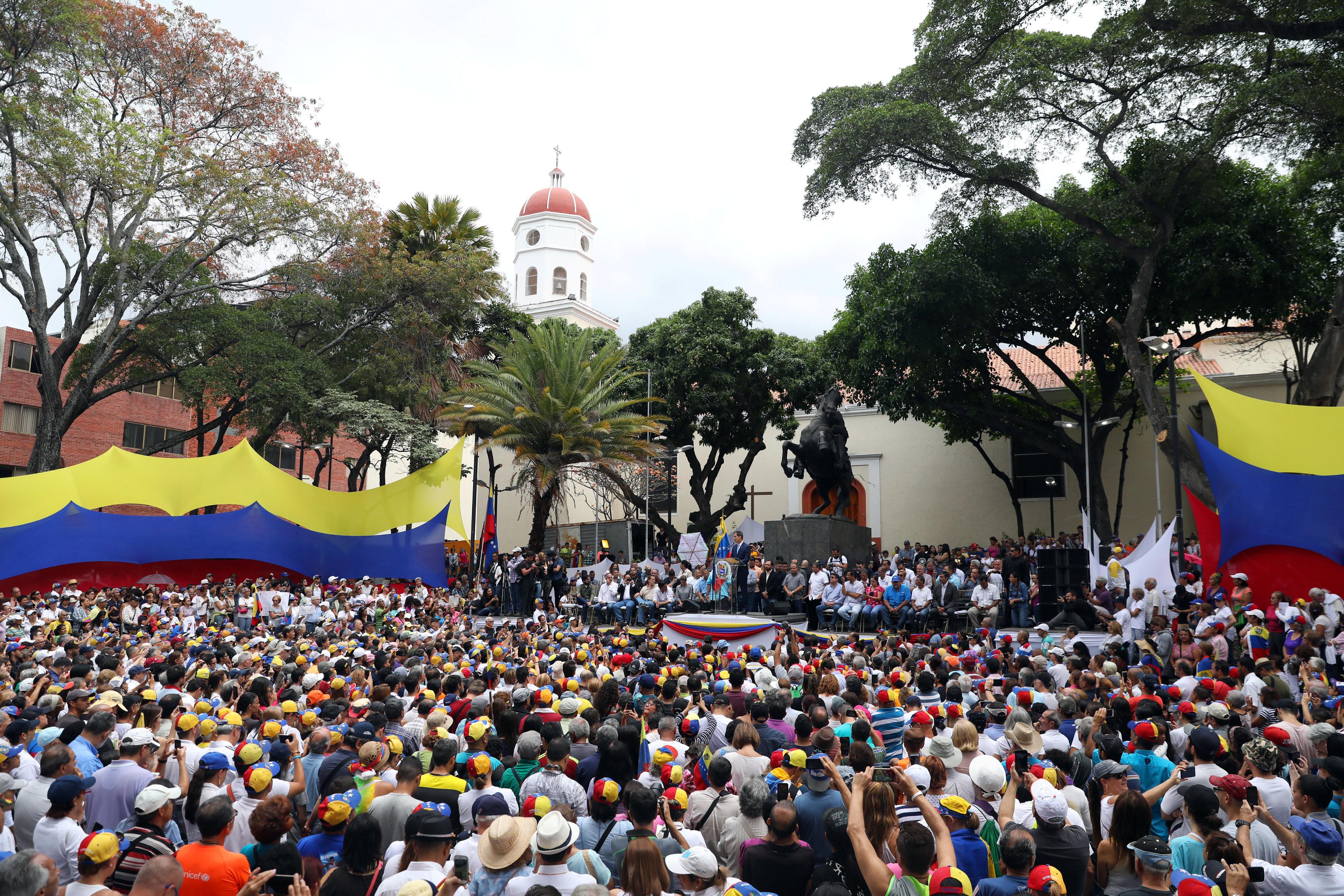 Guaidó convoca a la marcha más grande en la historia de Venezuela el #1May