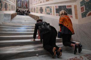Reabre en Roma la Escalera Santa por la que Cristo ascendió para comparecer ante Pilatos (Fotos)