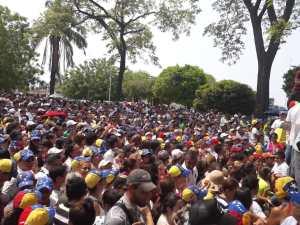 ¡A REVENTAR! Así se encuentra la Plaza Bolívar de Machiques en respaldo a Guaidó