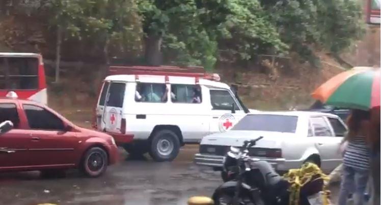 Por despelote suspenden entrega de ayuda humanitaria en Caricuao (Videos)