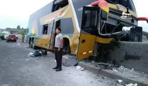 Al menos ocho personas mueren en accidente cuando acudían al sepelio de Alan García en Perú