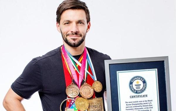 Orgullo venezolano: Antonio Díaz es reconocido con un récord mundial Guinness