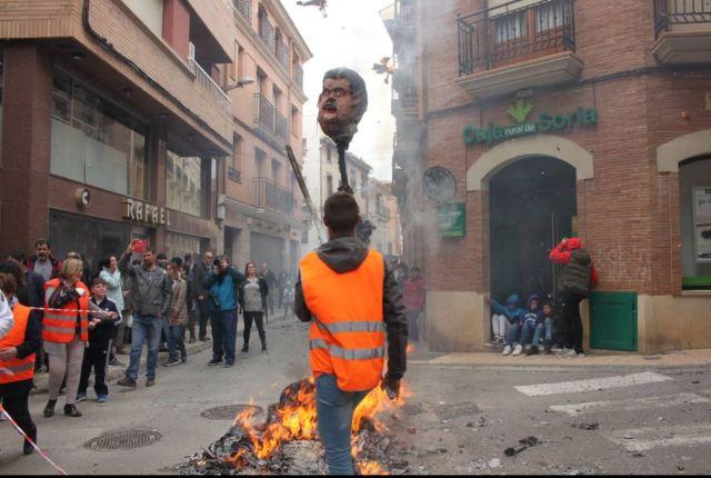 El judas Nicolás Maduro también ardió en España (fotos)