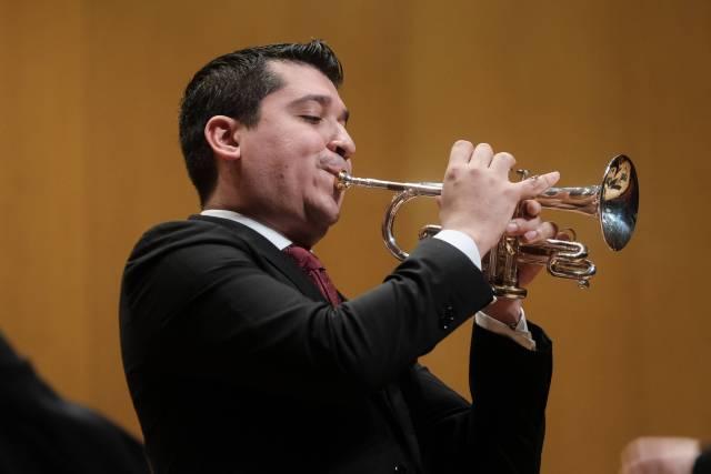 """Trompetista """"Pacho"""" Flores ve milagroso que la música aún sea opción en Venezuela pese a la crisis"""