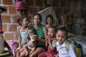 El dinero no basta en una crisis a la que ningún venezolano escapa (Fotos)