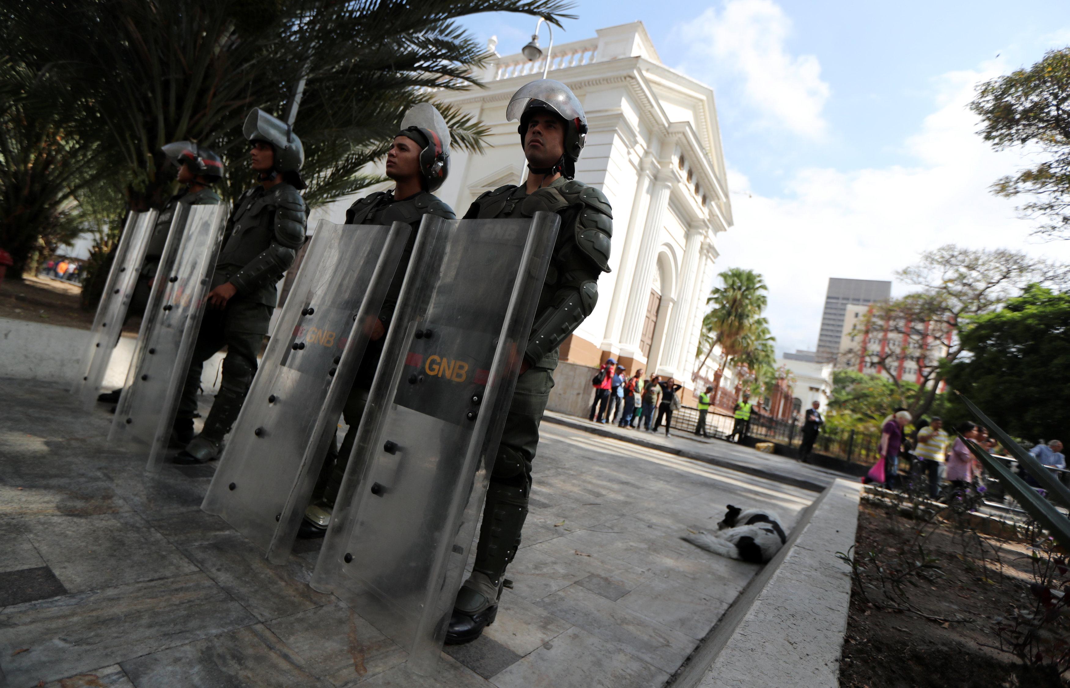 Resultado de imagen para detenciones politicas en bolivia