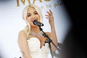 Olvidan en el avión 3,5 millones de joyas destinadas a Rita Ora en el Festival de Cannes