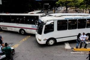 Dudas entre los transportistas ante la digitalización del cobro de pasajes anunciada por Maduro