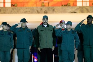 Los militares que mantuvieron al chavismo en el poder van dejando solo a Nicolás Maduro