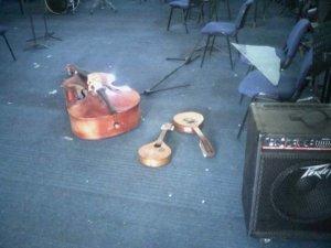 Delincuentes robaron y destrozaron instrumentos musicales de la Universidad de Oriente (FOTOS)