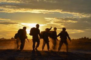 Trump envía más de mil soldados a Medio Oriente ante tensiones con Irán