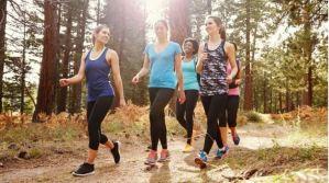 Cómo ocho minutos de caminata diaria impactan de manera positiva en la vida de las personas
