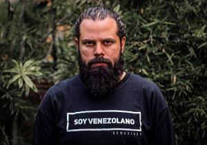 Historias de calle: Isaac Paniza, bendito amor (VIDEO)