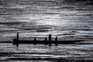 Una familia warao paso dos días de zozobra tras naufragar en Delta Amacuro en una canoa