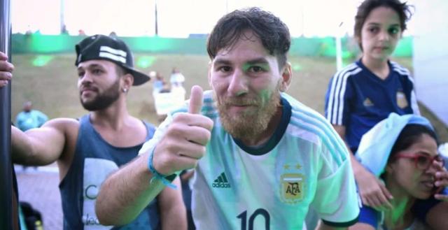 El doble de Messi que vendió sus pertenencias por conocerlo. Imagen cortesía.