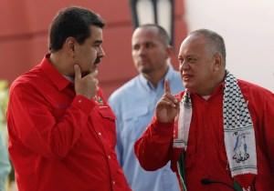 """""""Paramili... paraa..."""": La palabra que se enredó bajo el tapaboca de Diosdado Cabello (Video)"""