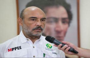 """A un """"ministro"""" chavista se le chispoteó un TUIT no apto para Maduro y tuvo que borrarlo rapidito"""
