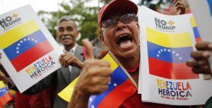 Chavismo insiste en recoger firmas contra Trump pese a contactos de Maduro con EEUU