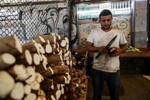 Venezolanos luchan para comprar alimentos: Inflación acumulada hasta septiembre fue de 3.326%