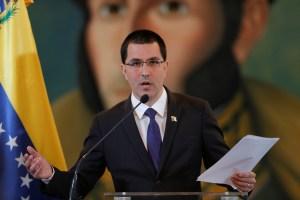 Arreaza conversará sobre los planes del chavismo con el canciller ruso en Moscú