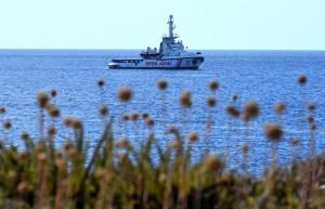 España sigue ofreciendo sus puertos al Open Arms y reprende a Italia