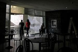 Reportan apagón en varias zonas de Caracas este 20 de agosto