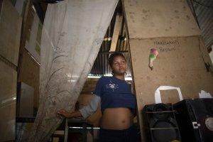 """La crisis empuja a las venezolanas a la """"maternidad forzada"""""""