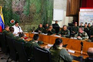 NY Times: El régimen de Nicolás Maduro reprime a su ejército para mantenerse en el poder