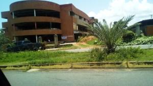Introducida solicitud de desalojo de invasión en Centro Comercial en Puerto Ordaz