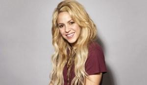 """Shakira muestra sus perfectas cuvas en """"trikini"""" (Fotos)"""
