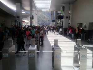 Teleférico de Mérida se ve obligado a suspender ascenso de turistas por fallas del servicio eléctrico