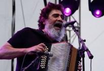 Muere mexicano Celso Piña, el músico que hizo bailar a García Márquez