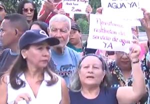 Vecinos de El Valle denuncian que llevan hasta dos años sin servicio de agua (Videos)