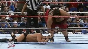 El accidente escatológico que sufrió una leyenda de la WWE en plena pelea (Video)