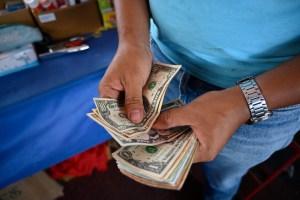 Qué les sucede al cerebro y al cuerpo cuando estás estresado por dinero